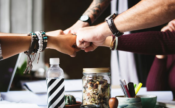 creativepartner-How-to-build-trust-in-workplace1